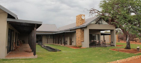 Khathumzi B&B on the Kalahari Golf Estate